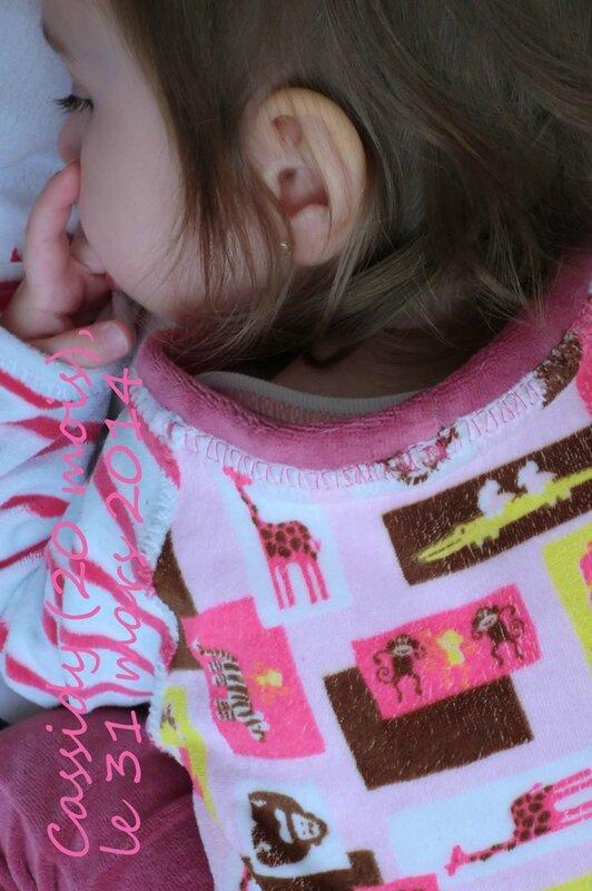 Cassidy - 2014-03-31 - pyjama (détail encolure)