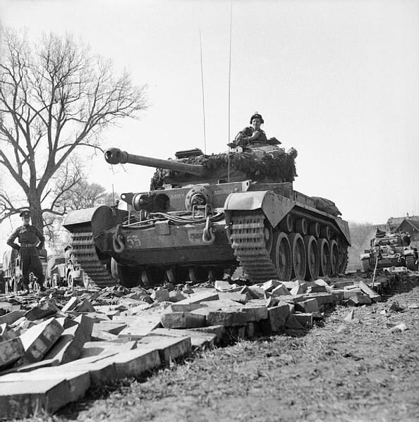 Comet_tanks_of_the_2nd_Fife_and_Forfar_Yeomanry,_11th_Armoured_Division,_crossing_the_Weser_at_Petershagen,_Germany,_7_April_1945__BU3200