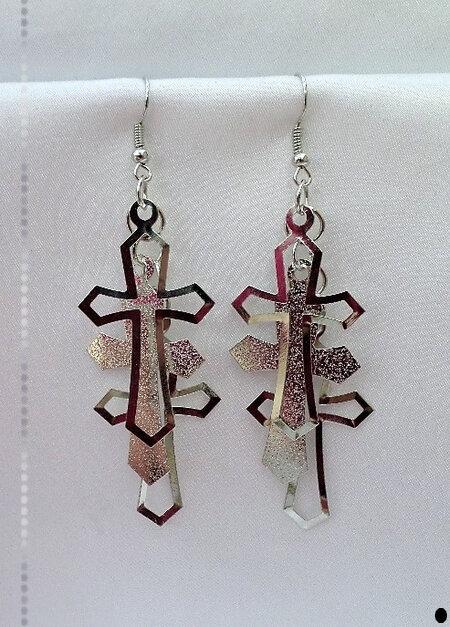 Boucles d'Oreilles Pendantes Légères Olwen 3 Croix Mobiles Métal Couleur