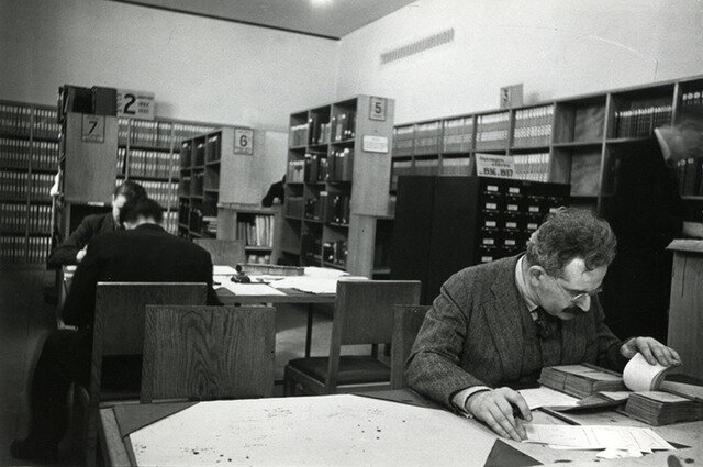 HR Walter Benjamin in the Bibliothèque National, Paris, Gisèle Freund, 1939