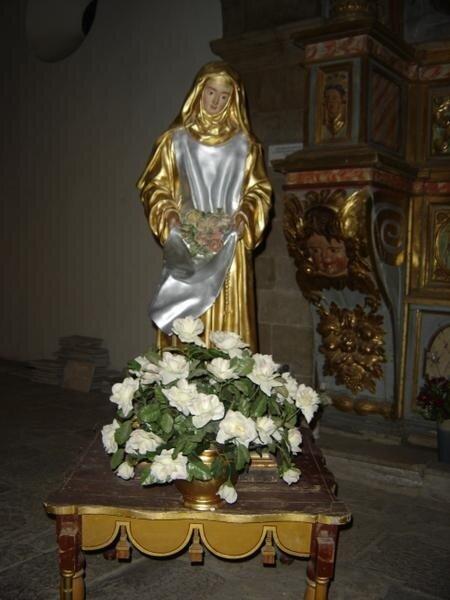 Sainte-Roseline-Statue