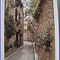 Provence - ruelle fleurie