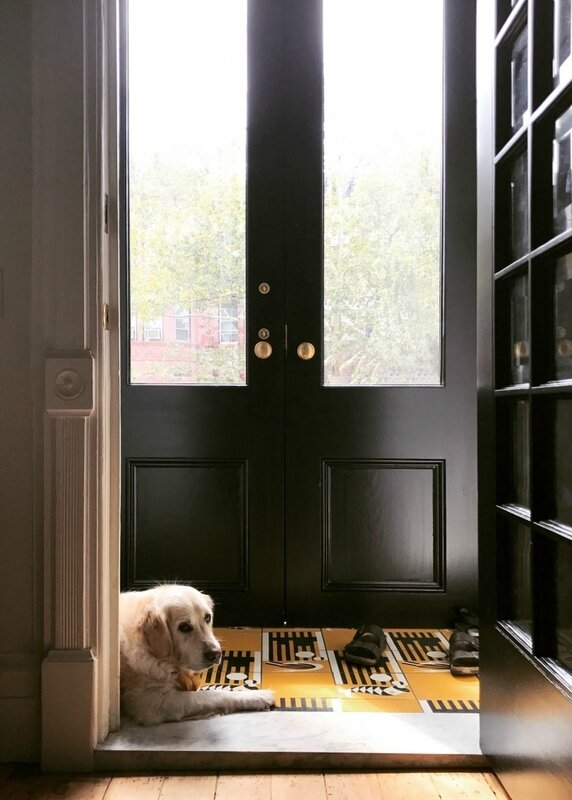 charley-jess-hagen-townhouse-entry-kate-sears-photo-1-733x1026