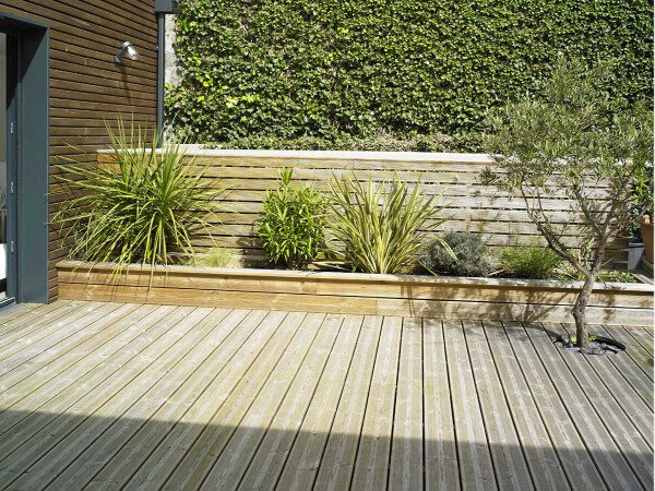 lame-terrasse-pin-traite- maritime 2-600x450
