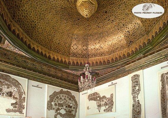 TUNIS_musee_du_BARDO_salle_de_Sousse_coupole_en_bois_sculpte_et_dore