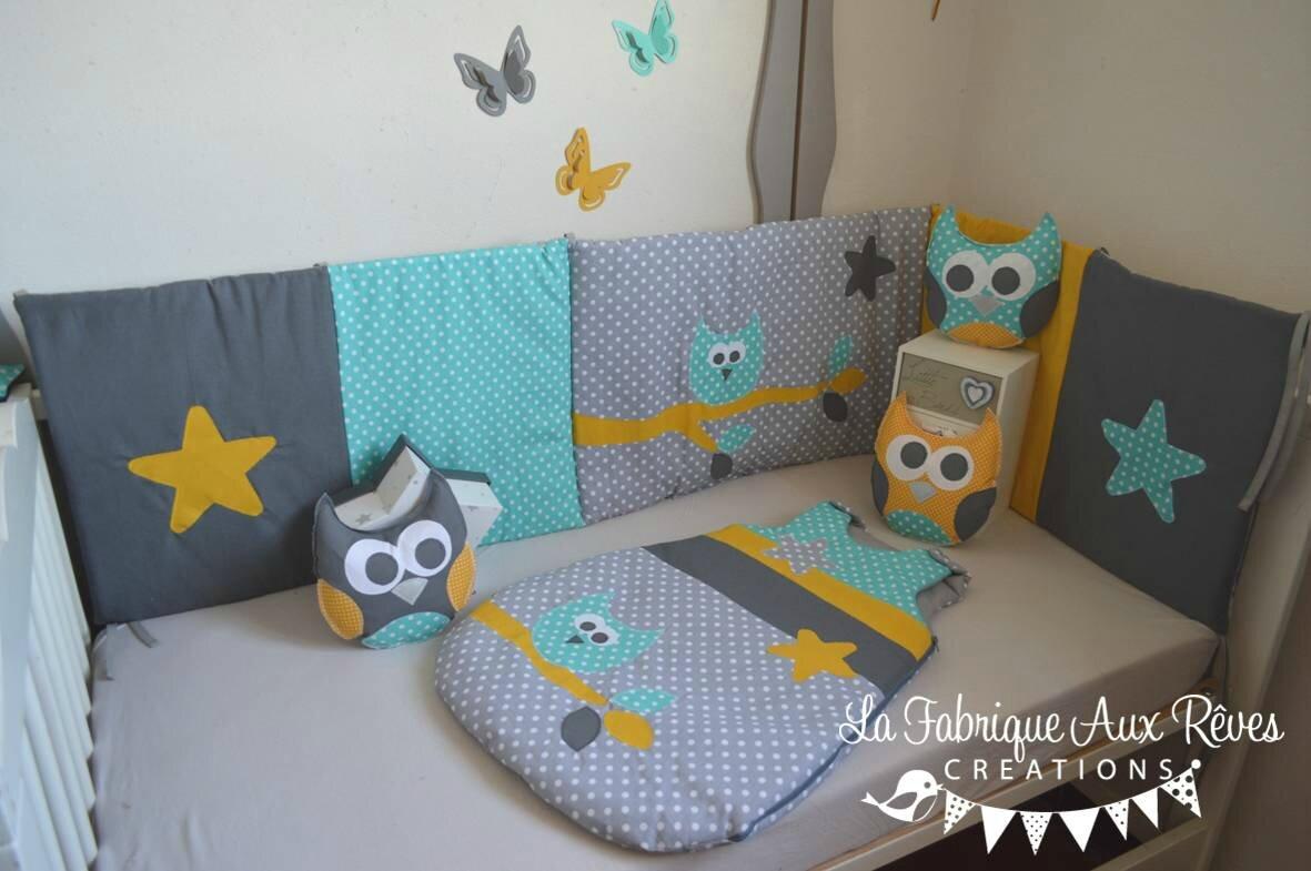 linge lit décoration bébé turquoise gris foncé gris clair jaune moutarde