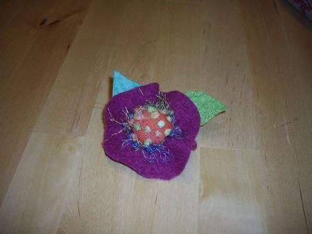 tuto broche fleur d'hiver 026