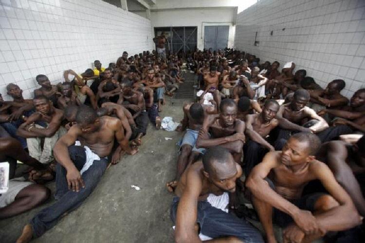 MOTION SUR LA LIBÉRATION DES PRISONNIERS POLITIQUES, CIVILS ET MILITAIRES