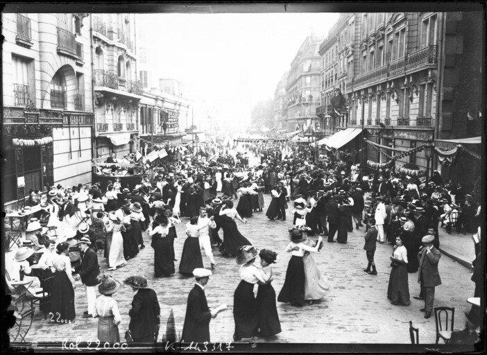 Bal_populaire_du_14_juillet_1912_(Paris)