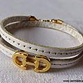 Bracelet Cavalière doré double (blanc) - 24 €