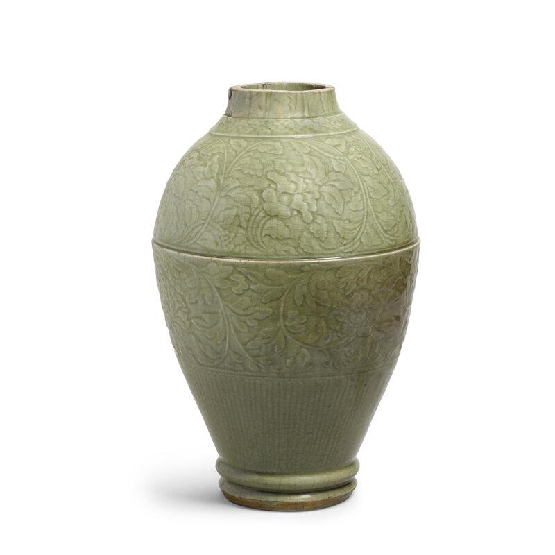 A massive longquan celadon vessel, Early Ming dynasty