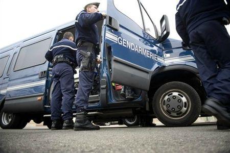 Gendarmerie VL et gendarmes