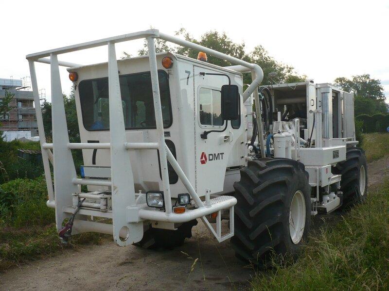 MERTZ Model M12P - 602A90 Vibroseis Vehicle Lampertheim (1)