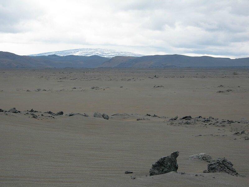 1024px-Shield-volcano-iceland