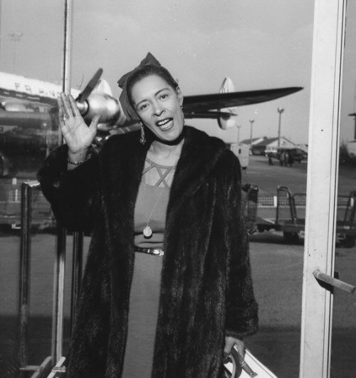billie-holiday-at-orly-airport-1958
