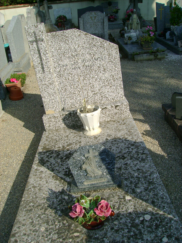 286 - Tombe de la famille Moringue