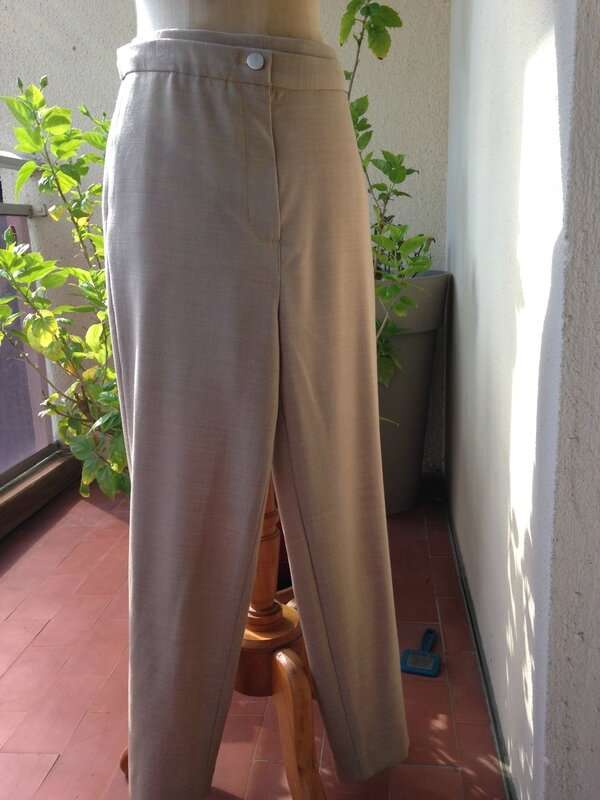 Pantalon femme en polyester et élasthane