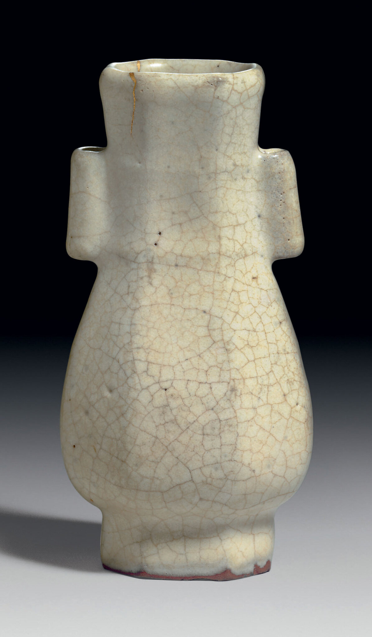 A very rare Geyao octagonal archaistic hu-form vase, Southern Song-Yuan dynasty, 13th century