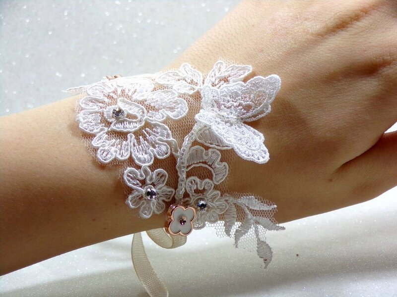 Bracelet papillon dentelle de Calais ivoire mariage