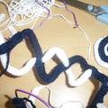 Comment faire des bijoux en tricotin ?