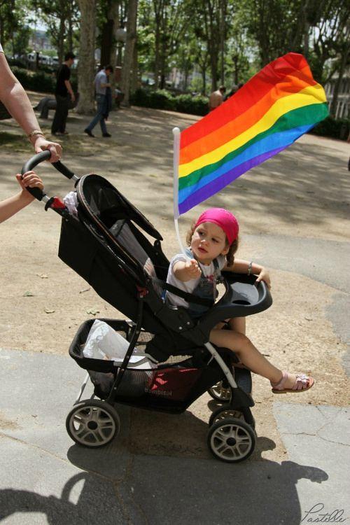 Gay pride gamine drapeau o_13 15 06_5163