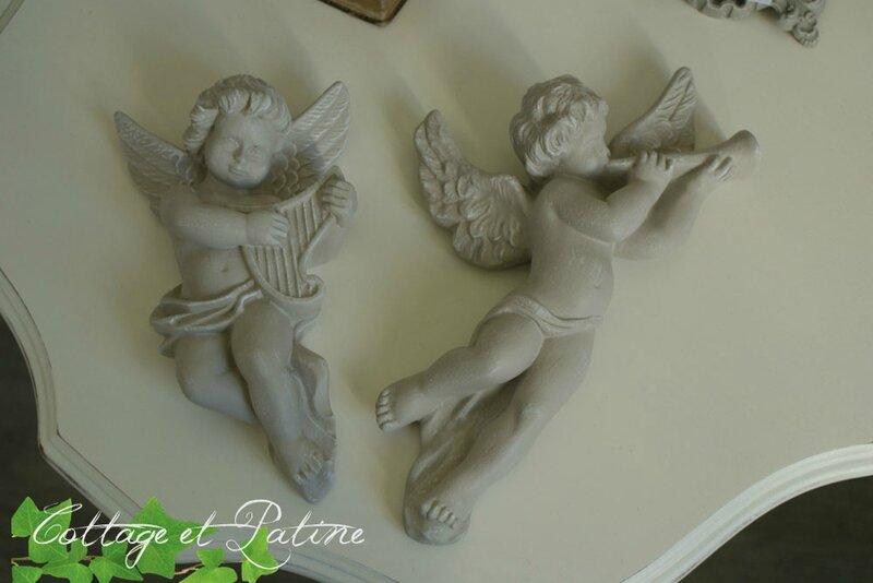 Cottage et Patine angelots patinés lin clair réf