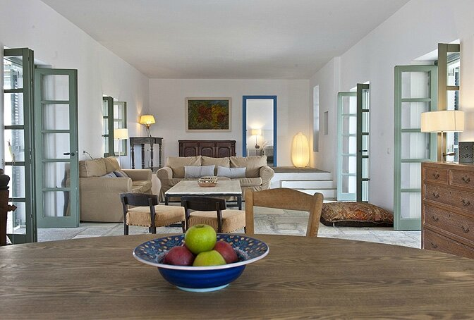 modern_vacation_rentals_paros_greece_0101