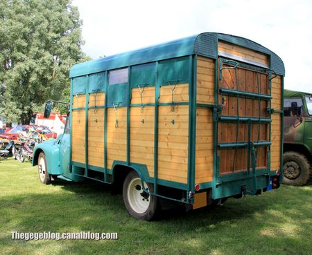 Citroen type U23-50 bétaillère de 1960 (Retro Meus Auto Madine 2012) 02