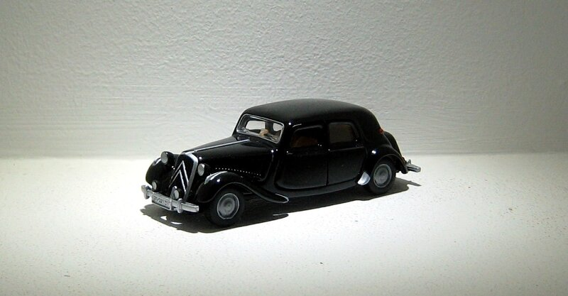 Citroen traction avant (Siku) 01