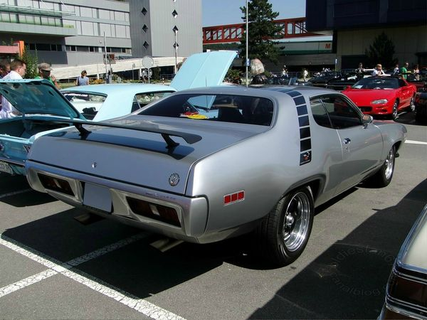 plymouth road runner hardtop coupe 1971 b