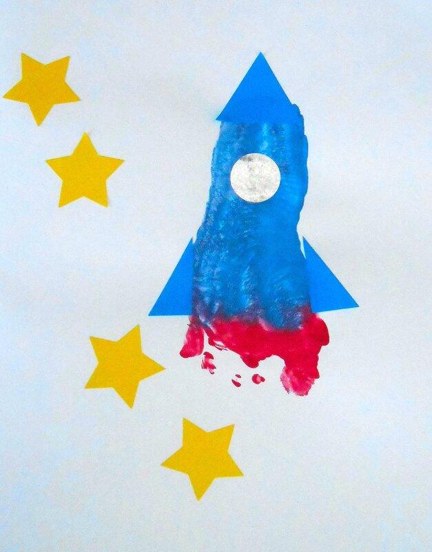 activité, anniversaire, carte, empreintes, enfant, enfants, facile, fusée, fête, Fête des Pères, garçon, manuelle, peinture, pied, pieds, simple, espace (2)