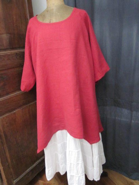 Robe CHIARA en lin rouge - manches trois quart - bas en pointe (3)