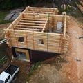 2009 08 07 Le fustier Frédéric Monteil qui construit sa propre maison à la Côte Chaude (18)