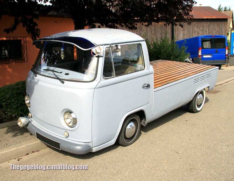 Vw combi pick-up (32ème Bourse d'échanges de Lipsheim) 01