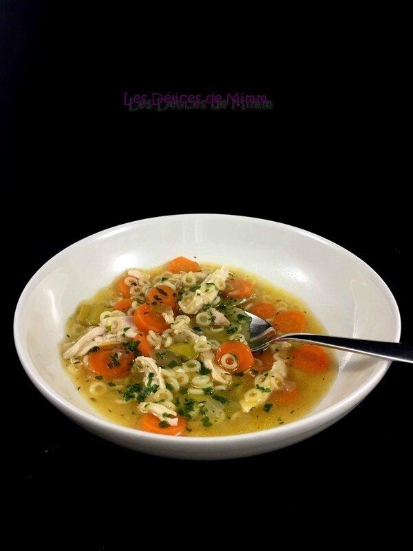 Soupe de poulet (avec un reste de poulet rôti) 4