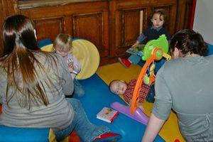 CENTRE_MATERNEL_MONDREPUIS_2011_enfants_parents