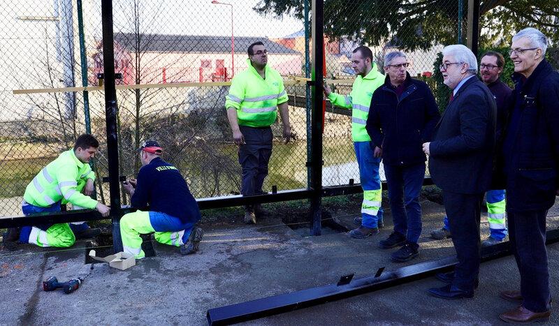 GRADINS 2019 TERRAIN MULTISPORTS montage panneaux