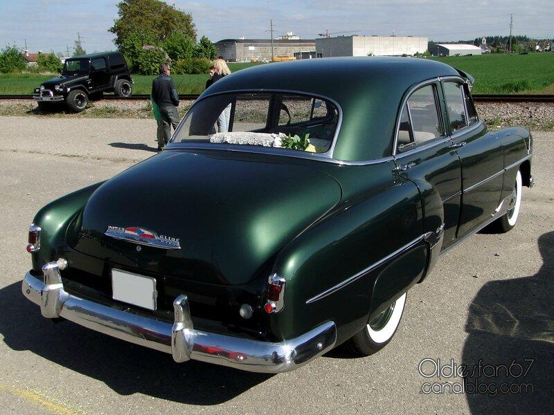 chevrolet-styleline-deluxe-sedan-1952-2