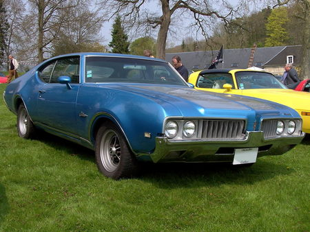 69_OLDSMOBILE_Cutlass_S_Sports_Hardtop_Coupe