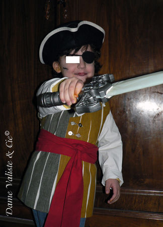 Costume_Pirate_01