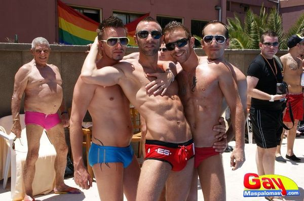 mens_pool_party_2012_08_413