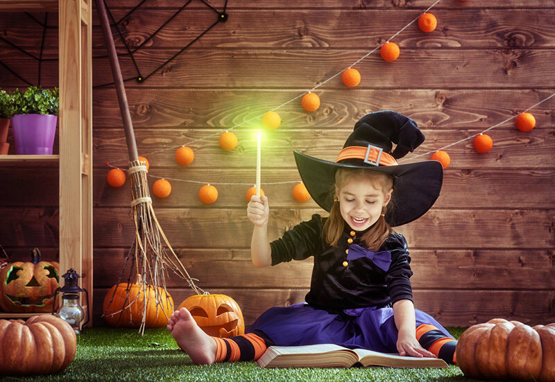 Halloween_Pumpkin_Witch_Little_girls_Hat_Sitting_532181_1280x881