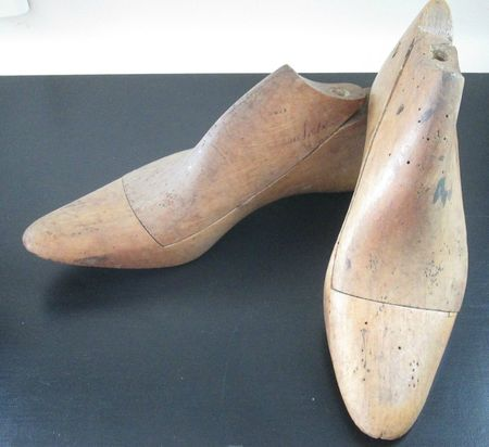 FORME_CHAUSSURES_BOIS