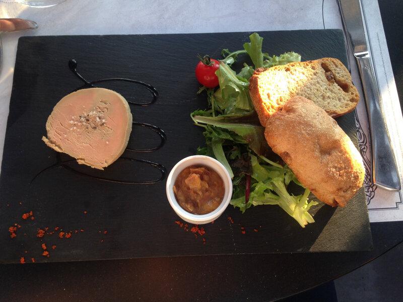 20 - Foie gras au sel de Guérande, chutney de pêches au gingembre