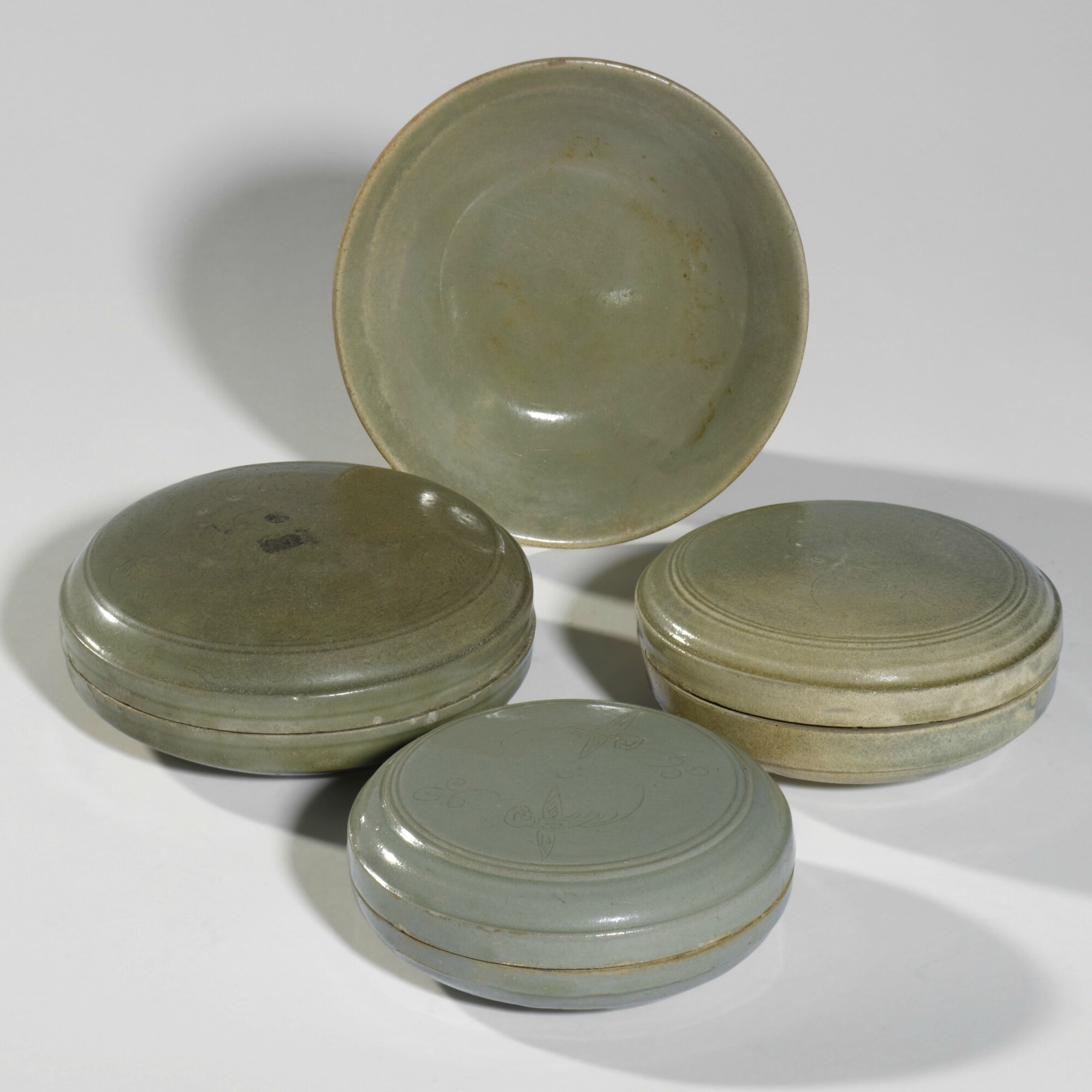 Three circular 'Yue' cosmetics boxes and covers, Five Dynasties-Northern Song dynasty (907-1127)
