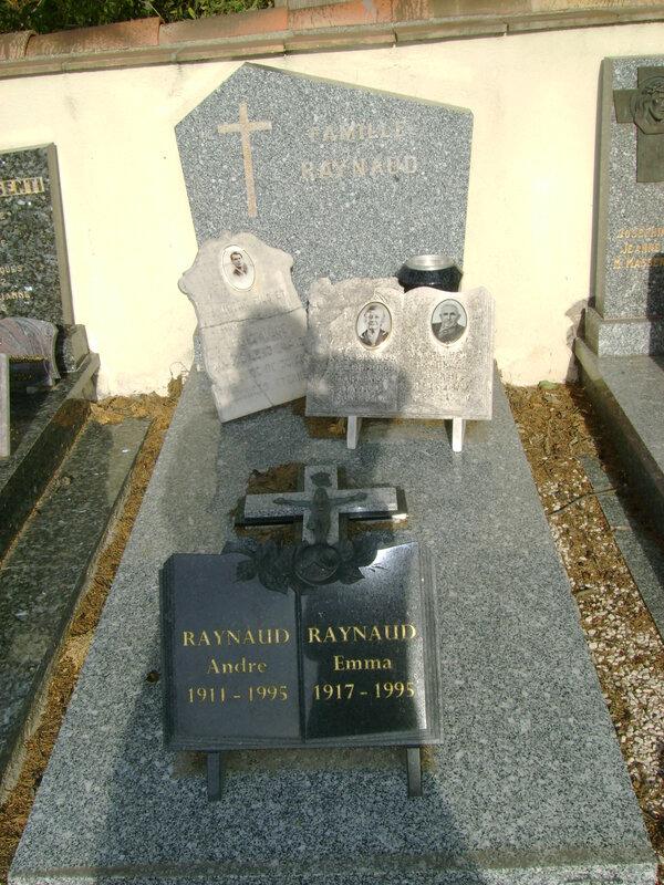 31 - Tombe de la famille Raynaud