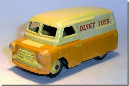 Dinky Toys Bedford 01