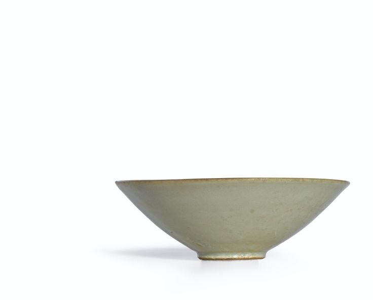 A_celadon_bowl__Five_dynasties_Song_dynasty
