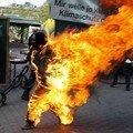 En feu. Cette jeune congolaise ne supportait plus l'immigration