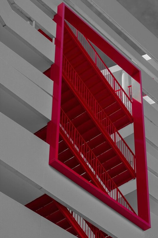 escaliers rouges